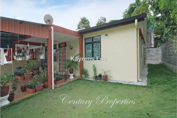 For Sale Semi-Detached at Taman Kelicap, Sungai Ara Leasehold Unfurnished 4R/3B 900k
