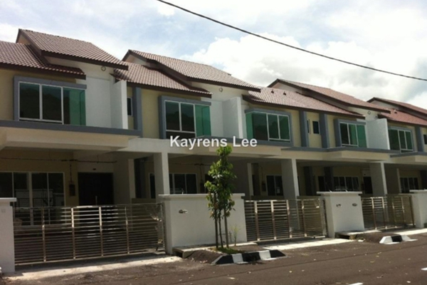For Sale Terrace at Prestige V, Batu Maung Freehold Unfurnished 4R/3B 890k
