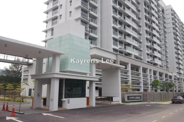 For Sale Condominium at The Light Linear, The Light Leasehold Unfurnished 4R/3B 920k