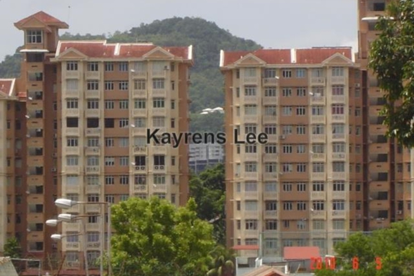 For Sale Apartment at Azuria, Tanjung Bungah Leasehold Unfurnished 3R/2B 380k