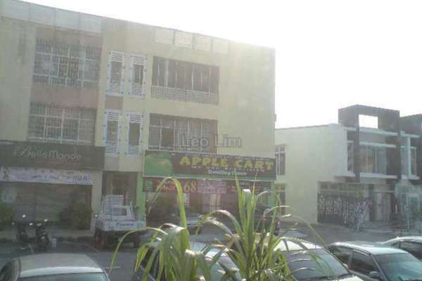 For Rent Shop at Mahkota Walk, Bandar Mahkota Cheras Freehold Unfurnished 0R/0B 3k