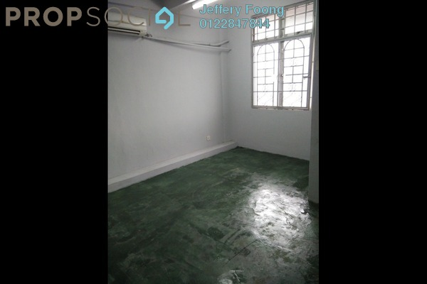 For Rent Apartment at Puchong Utama Industrial Park, Bandar Puchong Utama Freehold Unfurnished 3R/2B 800translationmissing:en.pricing.unit