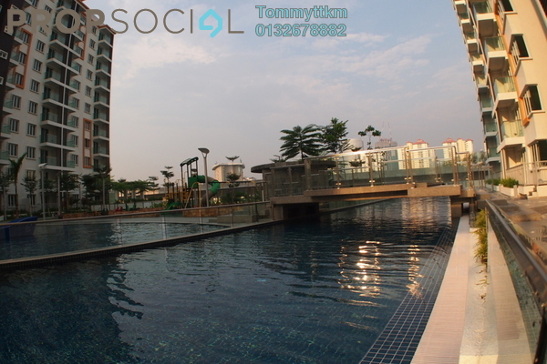 For Sale Condominium at Hijauan Saujana, Saujana Freehold Semi Furnished 3R/2B 750k