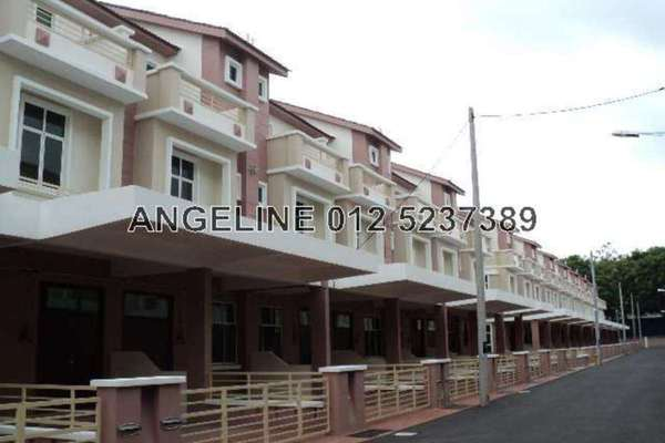 For Sale Terrace at Taman Segar Delink, Butterworth Freehold Semi Furnished 3R/5B 700k