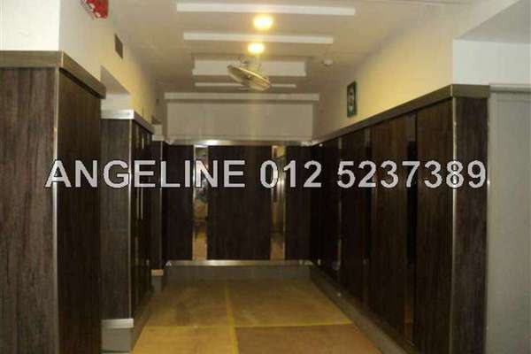 For Sale Apartment at Tanjung Indah, Tanjung Bungah Freehold Unfurnished 4R/2B 430k