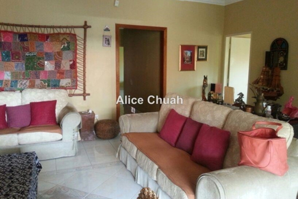 For Sale Semi-Detached at Chee Seng Garden, Tanjung Bungah Freehold Unfurnished 3R/2B 1.9m