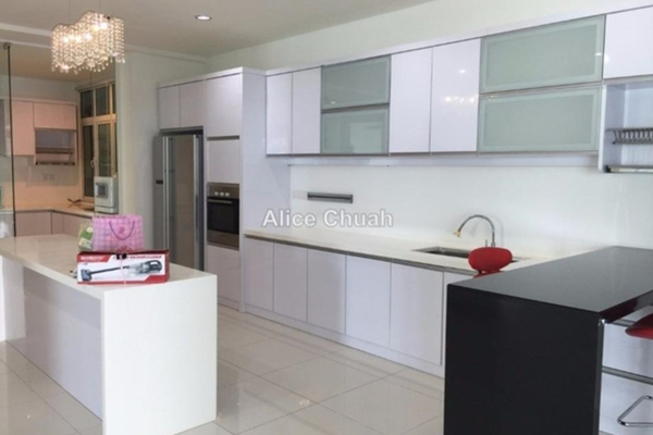 For Rent Condominium at Gurney Paragon, Gurney Drive Leasehold Fully Furnished 4R/4B 11k