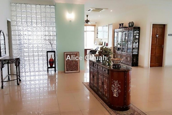 For Sale Condominium at Gurney Palace, Gurney Drive Leasehold Semi Furnished 5R/5B 3.1m