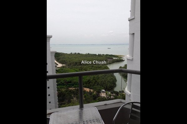 For Sale Condominium at Marina Bay, Tanjung Tokong Leasehold Semi Furnished 3R/2B 800k