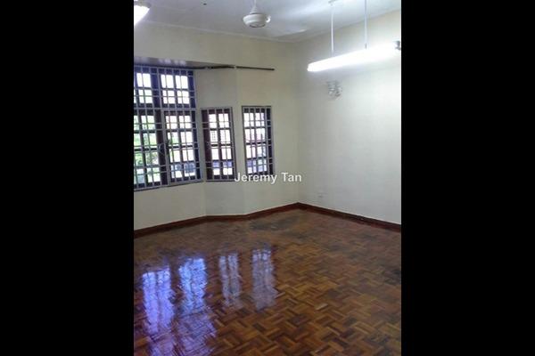 For Rent Terrace at Taman Sri Nibong, Sungai Nibong Leasehold Semi Furnished 3R/3B 1.5k