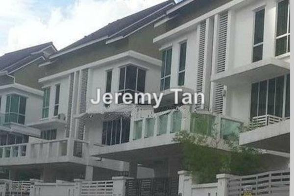 For Rent Semi-Detached at Jambul Hill Residences, Bukit Jambul Leasehold Semi Furnished 5R/4B 3k