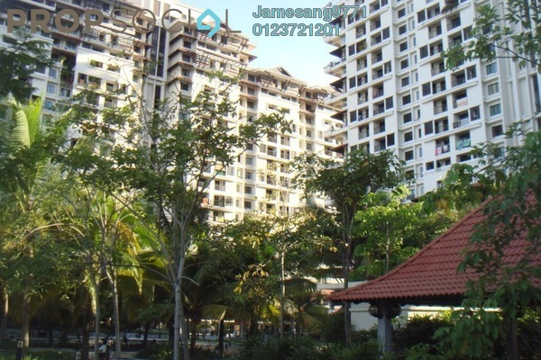 For Sale Condominium at Armanee Condominium, Damansara Damai Leasehold Semi Furnished 3R/3B 550k