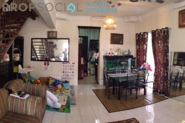For Sale Terrace at Section 6, Bandar Mahkota Cheras Freehold Semi Furnished 4R/3B 700k