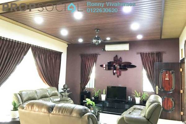 For Sale Semi-Detached at Villa Avenue, Equine Park Leasehold Semi Furnished 5R/4B 1.5m