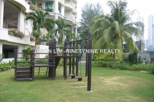 For Sale Condominium at Sri Golden Bay, Tanjung Bungah Freehold Semi Furnished 5R/3B 2.2m