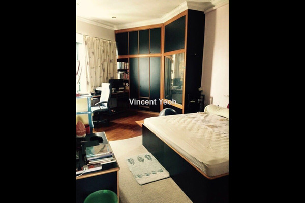 For Sale Condominium at Silverton, Gurney Drive Freehold Semi Furnished 6R/8B 3.6m