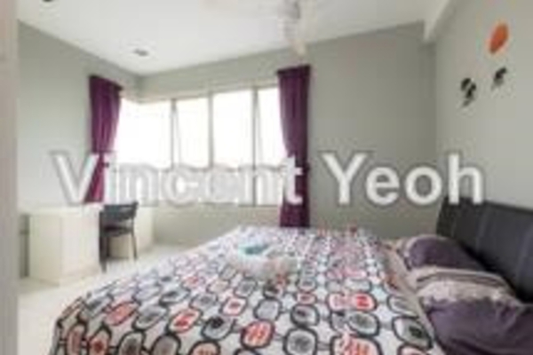 For Sale Condominium at Birch The Plaza, Georgetown Freehold Semi Furnished 3R/2B 750.0千