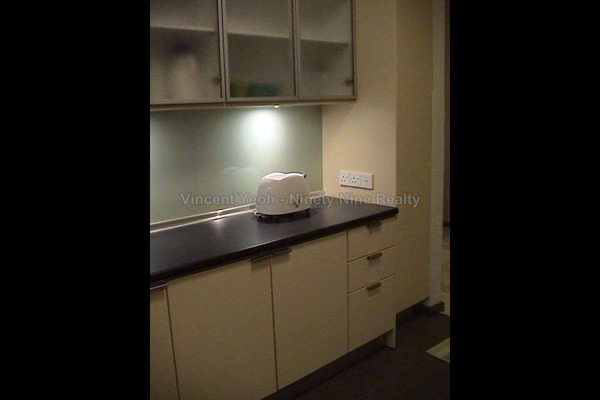 For Sale Condominium at Parkview Towers, Bukit Jambul Leasehold Semi Furnished 3R/2B 550k