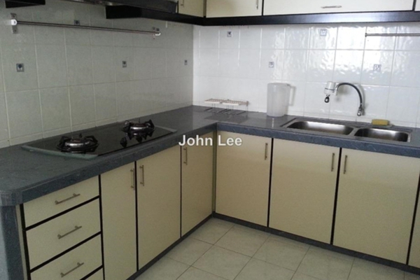 For Sale Condominium at Parkview Towers, Bukit Jambul Leasehold Semi Furnished 3R/2B 530k