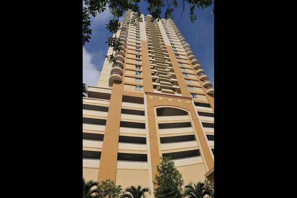For Rent Condominium at Greenlane Park, Green Lane Freehold Semi Furnished 3R/2B 1.35k