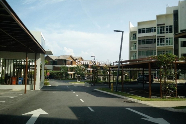 For Sale Condominium at Ferringhi Residence, Batu Ferringhi Leasehold Semi Furnished 3R/4B 1.1m