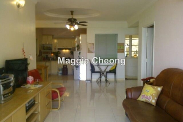For Rent Condominium at Gold Coast, Bayan Indah Leasehold Semi Furnished 2R/2B 2.5k