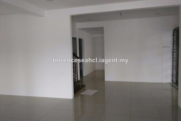 For Sale Semi-Detached at Taman Saujana Indah, Bukit Minyak Freehold Unfurnished 4R/3B 528k