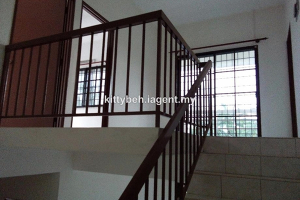 For Sale Terrace at Taman Tambun Indah, Bukit Tambun Freehold Unfurnished 4R/3B 365k