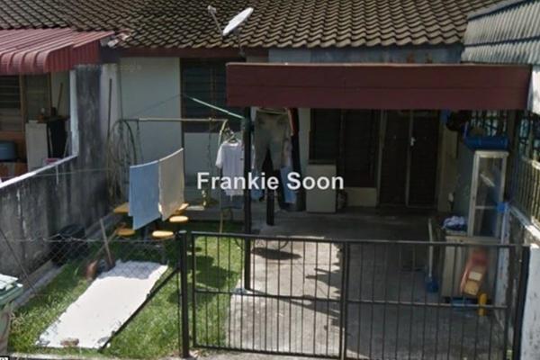 For Sale Terrace at Taman Sri Tunas, Bayan Baru Freehold Unfurnished 3R/2B 530k