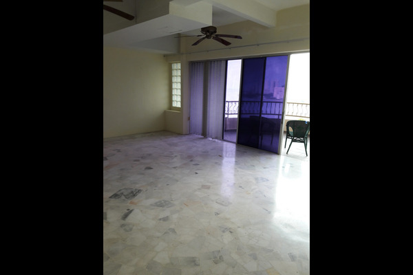 For Sale Duplex at Sea Range Tower, Batu Ferringhi Freehold Semi Furnished 4R/3B 750k