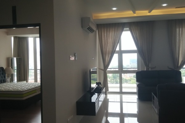 For Sale Condominium at Scott Residence, Georgetown Freehold Fully Furnished 3R/3B 1.8m