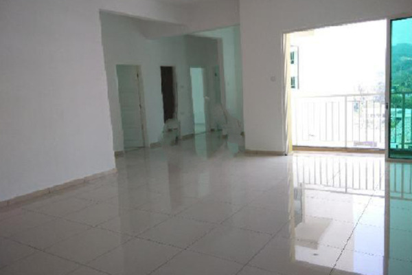 For Sale Condominium at Fiera Vista, Sungai Ara Freehold Unfurnished 4R/3B 595k