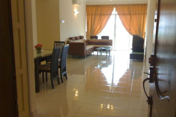 For Sale Condominium at Pearl Garden, Sungai Ara Freehold Semi Furnished 3R/2B 520k