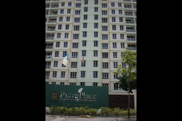 For Rent Condominium at Putra Place, Bayan Indah Leasehold Fully Furnished 3R/2B 1.7k