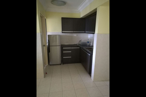 For Sale Condominium at Casa Tropicana, Tropicana Leasehold Semi Furnished 4R/3B 830k