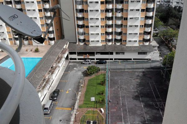 For Rent Condominium at Meadow Park 2, Old Klang Road Freehold Semi Furnished 3R/2B 1.15k