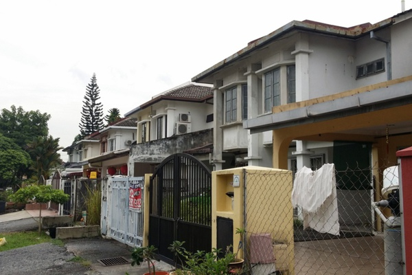 For Rent Terrace at USJ 12, UEP Subang Jaya Freehold Semi Furnished 3R/2B 1.4k
