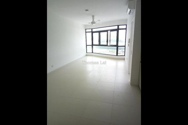 For Sale Condominium at AraGreens Residences, Ara Damansara Leasehold Semi Furnished 2R/1B 630k