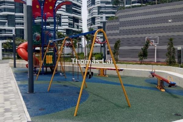 For Rent Condominium at AraGreens Residences, Ara Damansara Leasehold Semi Furnished 2R/1B 1.7k