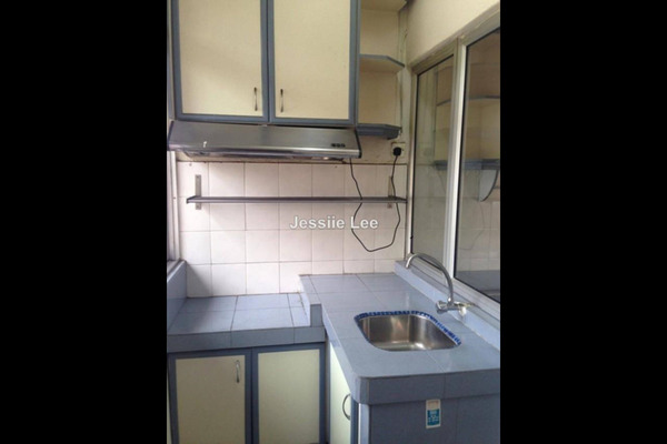 For Sale Townhouse at Bukit OUG Townhouse, Bukit Jalil Freehold Semi Furnished 3R/3B 650k