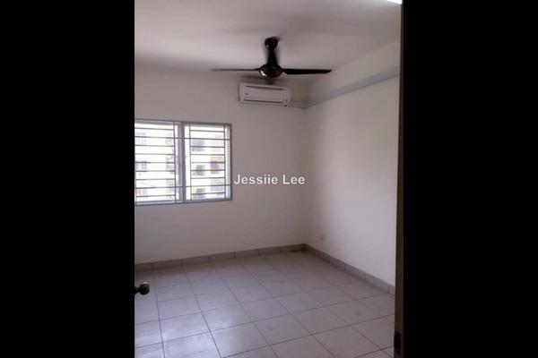 For Rent Apartment at Bandar Botanic, Klang Freehold Semi Furnished 3R/2B 900translationmissing:en.pricing.unit