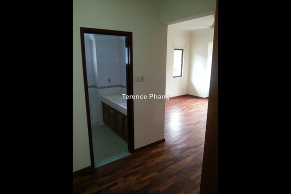 For Rent Apartment at Cyber Heights Villa, Cyberjaya Leasehold Semi Furnished 4R/2B 2.2k