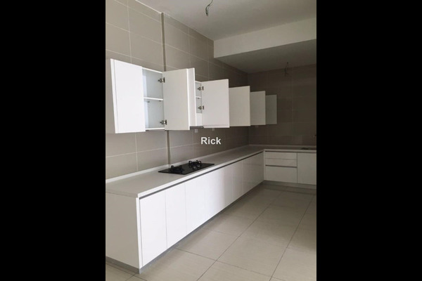 For Sale Condominium at Damansara Foresta, Bandar Sri Damansara Leasehold Unfurnished 3R/3B 740k