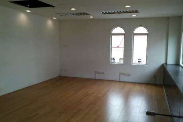 For Rent Shop at Sunway Giza, Kota Damansara Leasehold Unfurnished 0R/0B 2.4k