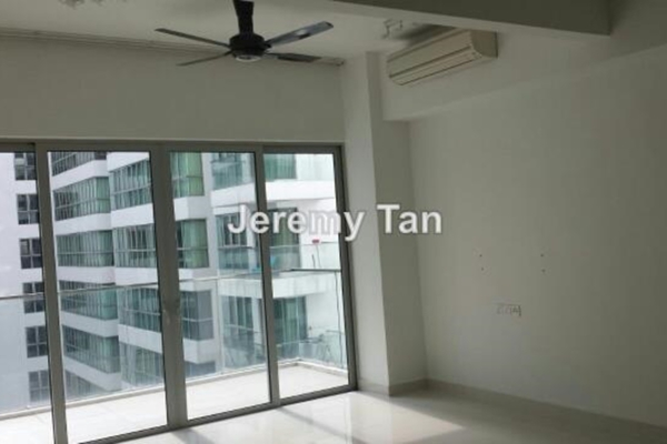 For Sale Serviced Residence at Regalia, Putra Freehold Semi Furnished 2R/2B 730k