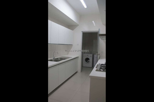 For Sale Condominium at 11 Mont Kiara, Mont Kiara Freehold Semi Furnished 4R/5B 2.65m