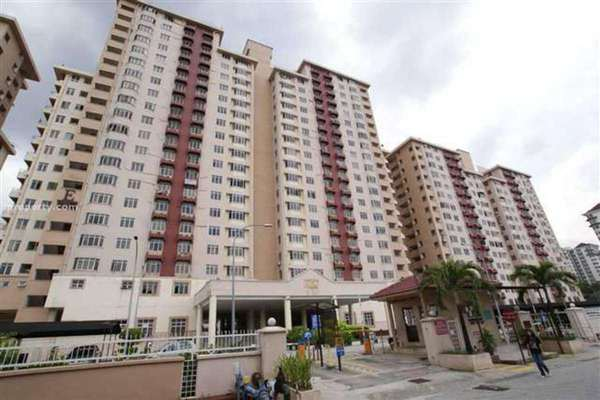 For Sale Condominium at Kelana Puteri, Kelana Jaya Leasehold Semi Furnished 3R/2B 485k
