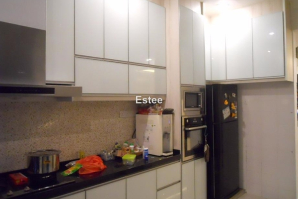 For Sale Semi-Detached at Indigo Homes, Bandar Saujana Putra Leasehold Semi Furnished 4R/3B 788k