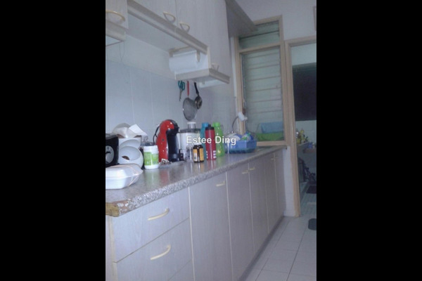 For Sale Condominium at Kelana Puteri, Kelana Jaya Leasehold Semi Furnished 3R/2B 430k