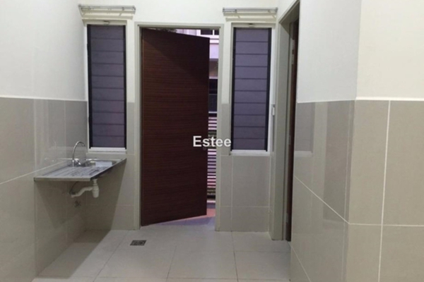 For Sale Terrace at Temasya Citra, Temasya Glenmarie Freehold Unfurnished 5R/5B 1.55m